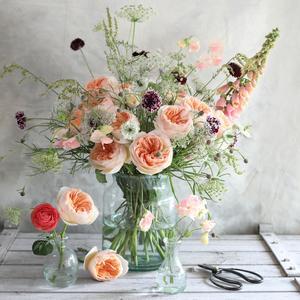 Juliet Peach Roses in Glass Vase Arrangement