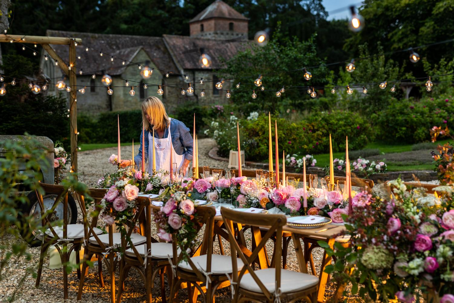Outdoor Wedding Banquet Table Decorations