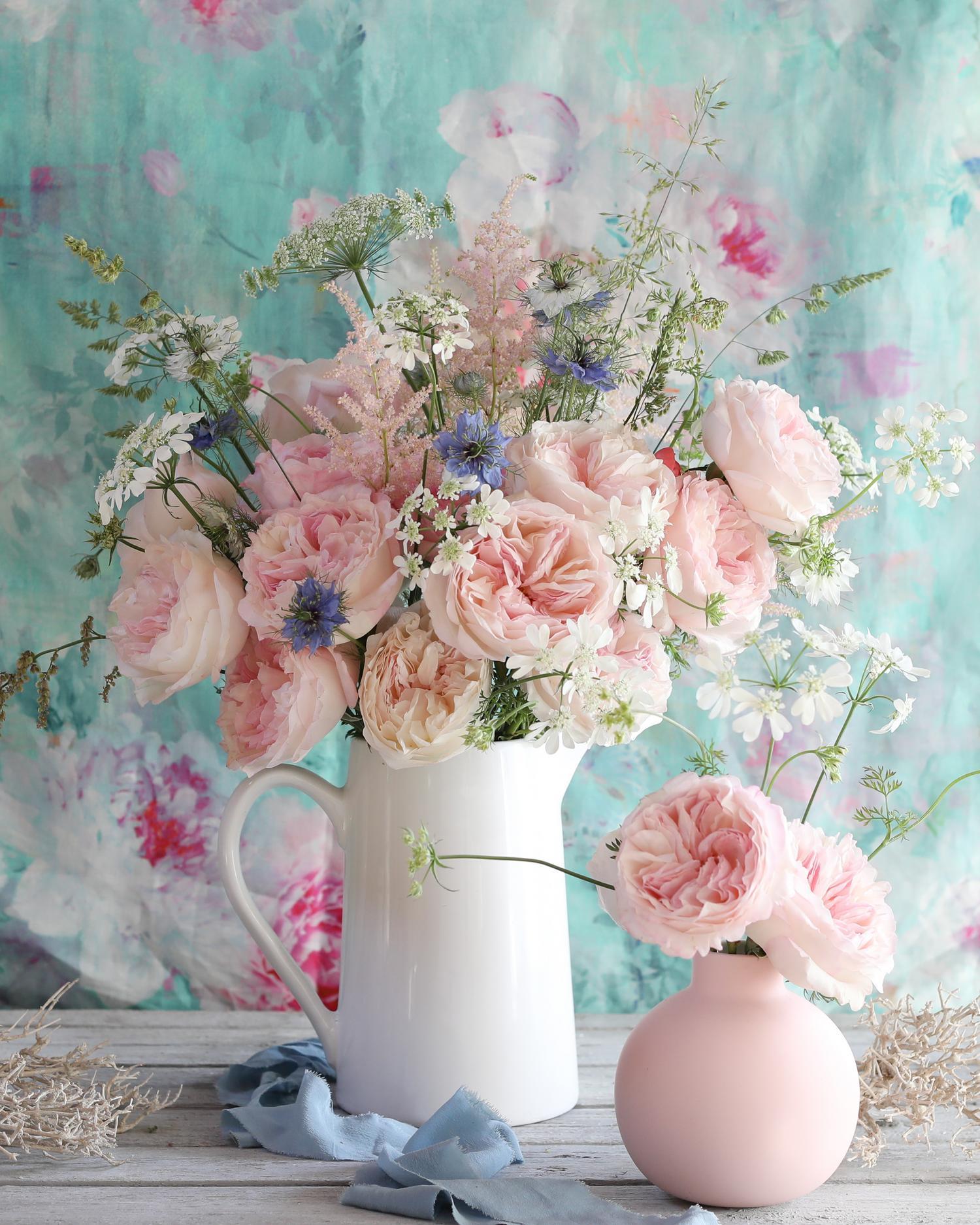 キーラは花瓶の配置で上昇しました