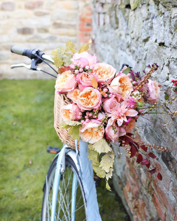 Edith Roses Basket Design for Wedding Detail