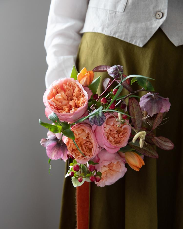 Edith Roses Hand Tied Gift Bouquet