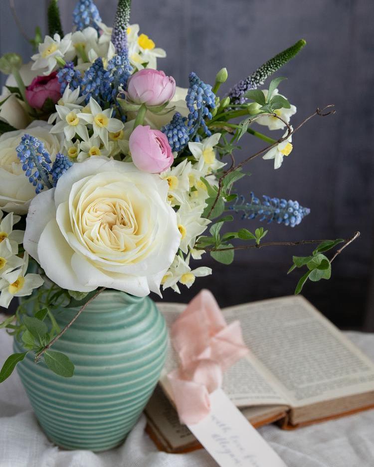 Leonora Rose Vase Arrangement