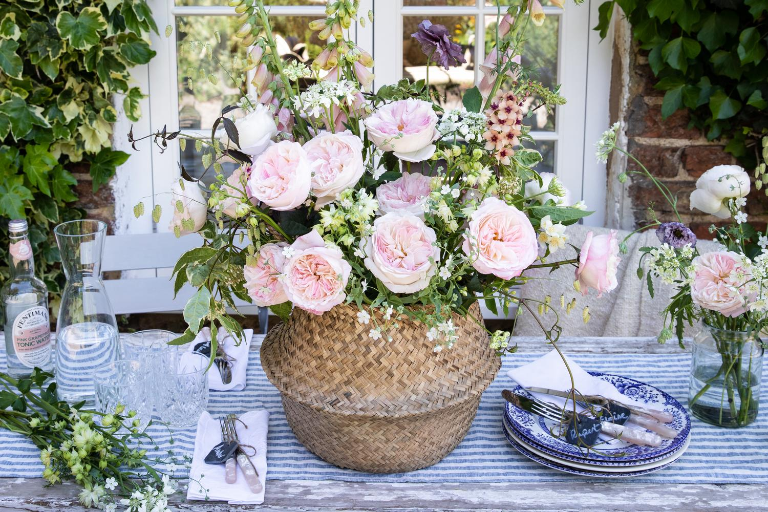 Outdoor party inspiration with David Austin Roses