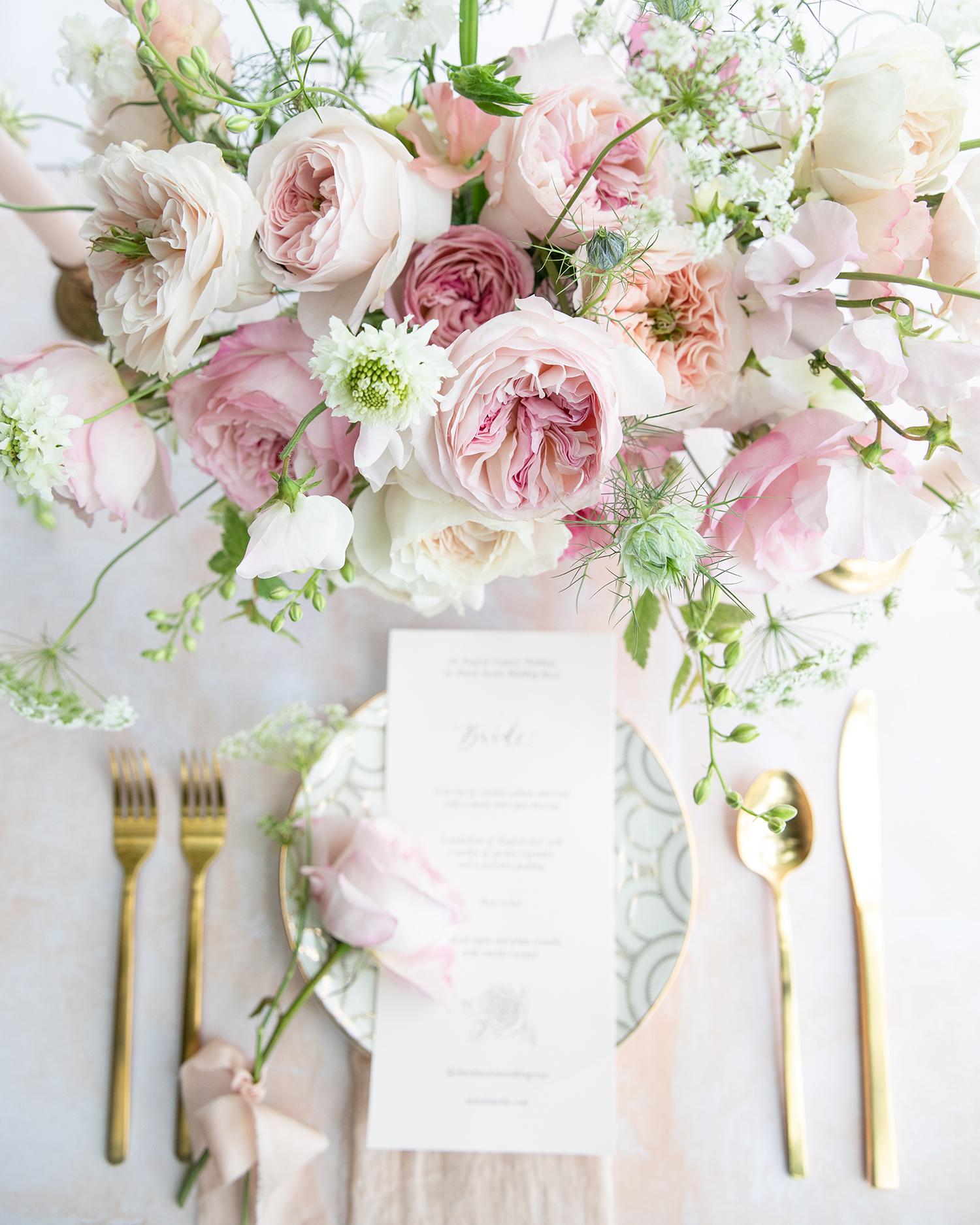 赤面の結婚式のテーブルのデザイン