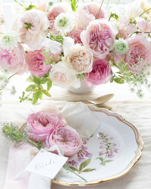 Pink Wedding Roses Table Design