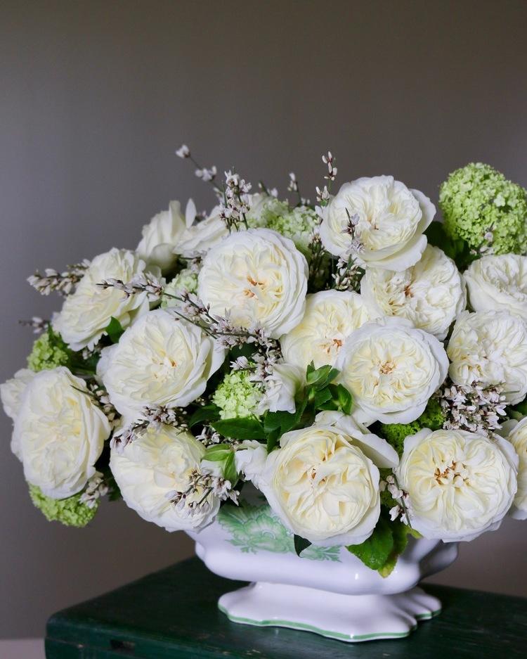 White Roses Wedding Designs