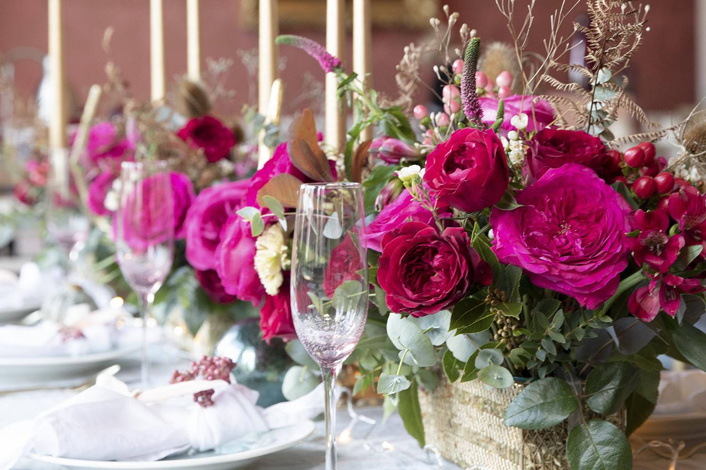 Capability roses pink vase arrangement