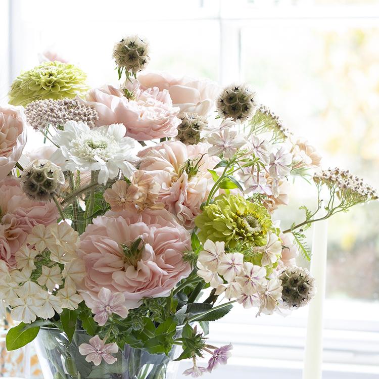 Charity roses small vase arrangement