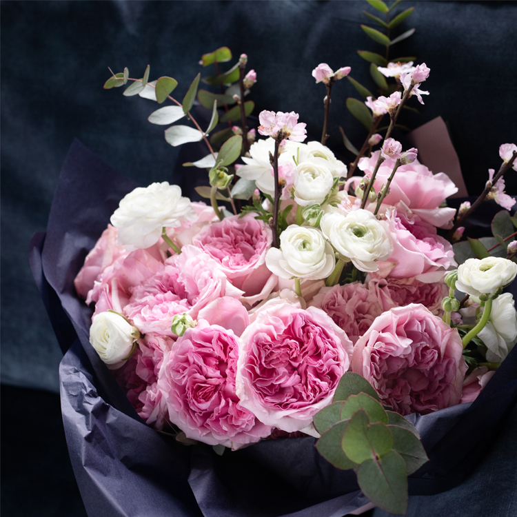 Miranda Pink Roses Gift Bouquet