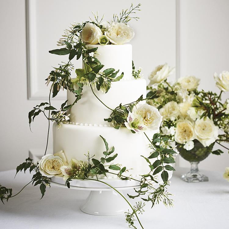 Patience roses cream wedding cake decorations