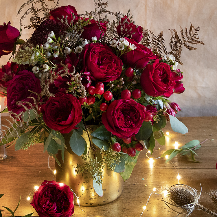 Tess red roses Christmas decorations home design