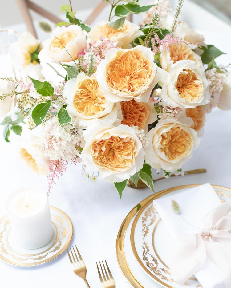 Gelb-Orange Rose Tischgedeck David Austin Cut Roses
