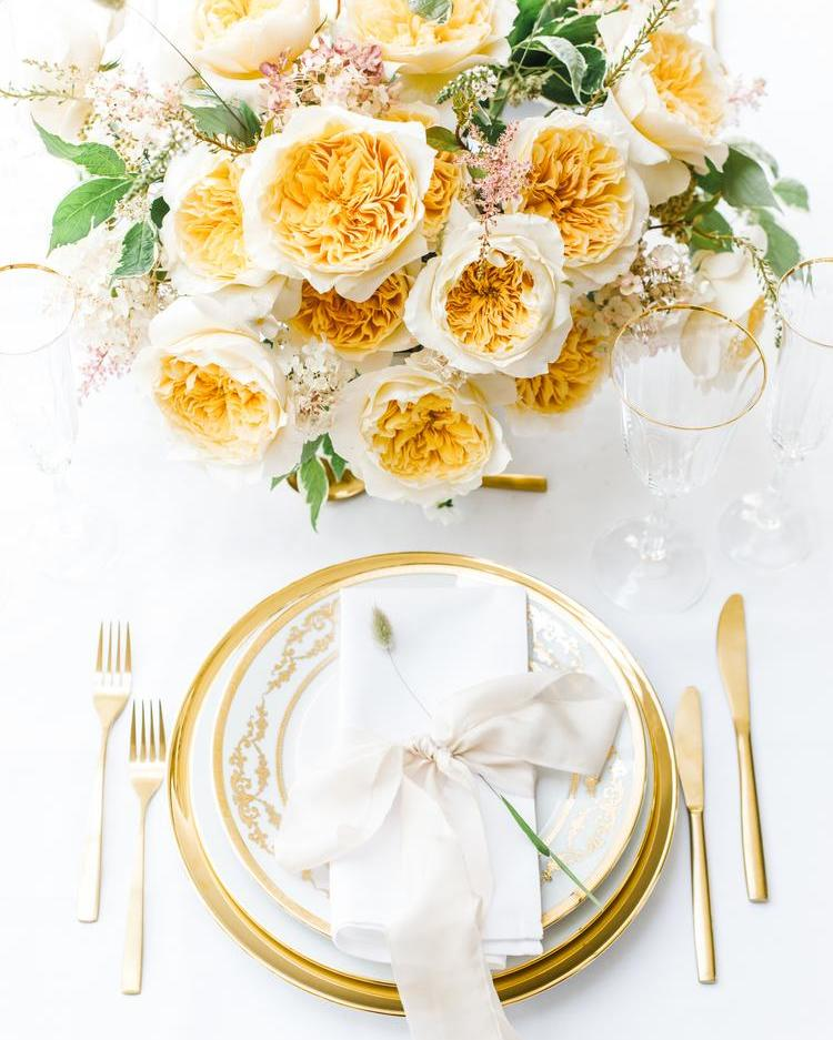 Gelb-Orange Rose Tischdekoration David Austin Cut Roses