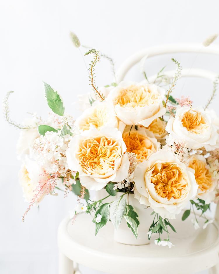 Gelb-Orange Rosenvase David Austin Cut Roses