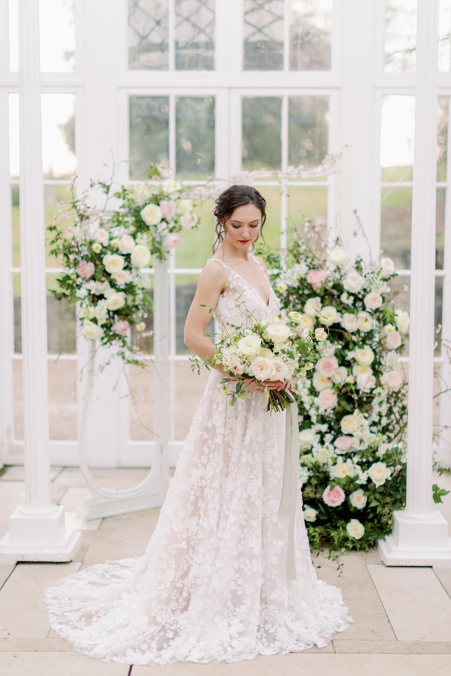 Ramo de rosas para bodas e instalación floral